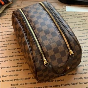 🌺SOLD!🌸Auth Louis Vuitton King Size Toiletry Bag